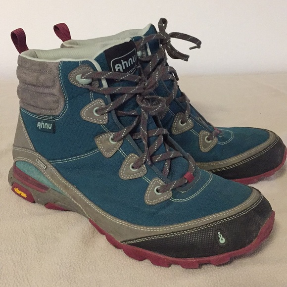 b8bd31ec245 AHNU Sugarpine Hiking Boot in Deep Teal Size 10